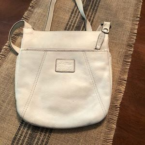 Fossil Crossbody Bag...TONS of space! On the go 😬